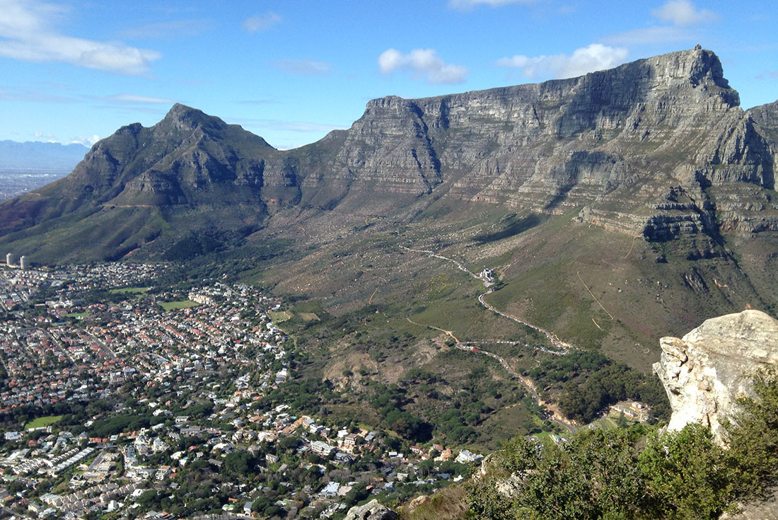 Glen avon lodge cape town attractions table mountain for Table mountain
